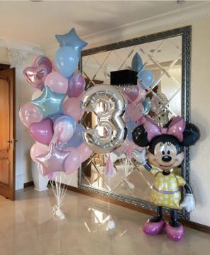 Нежный день рождения с Минни Маусом