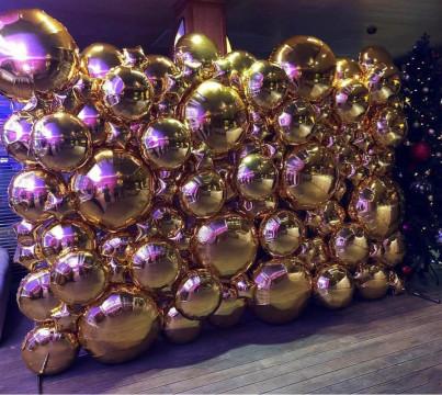 Фотозона из фольгированных шаров.