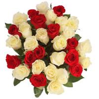 31 белое и красные розы